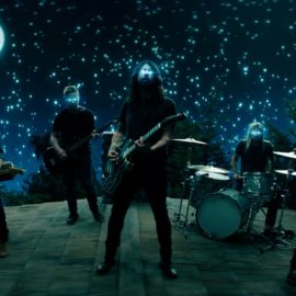 Foo Fighters estrena 'The Sky Is A Neighborhood', segundo sencillo de su próximo larga duración: 'Concrete and Gold'